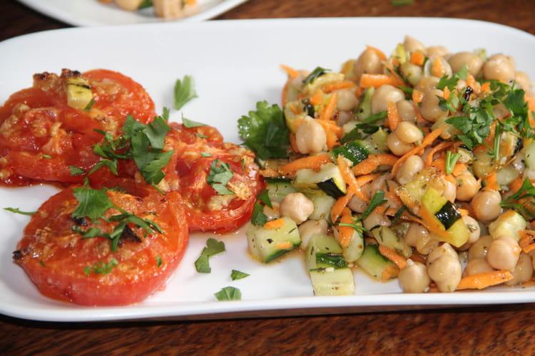 Tomates rôties et leur salade de pois chiches à la libanaise