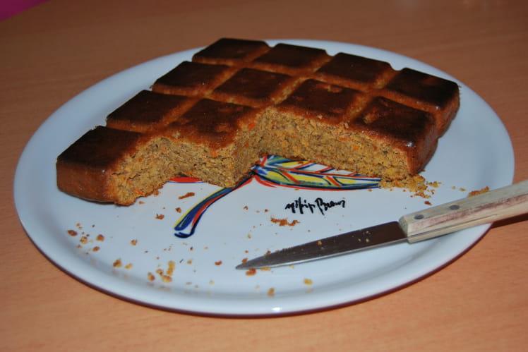 Gâteau aux carottes, pommes et noisettes