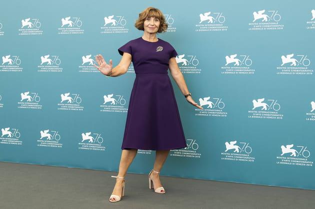 Ariane Ascaride Prend La Pose