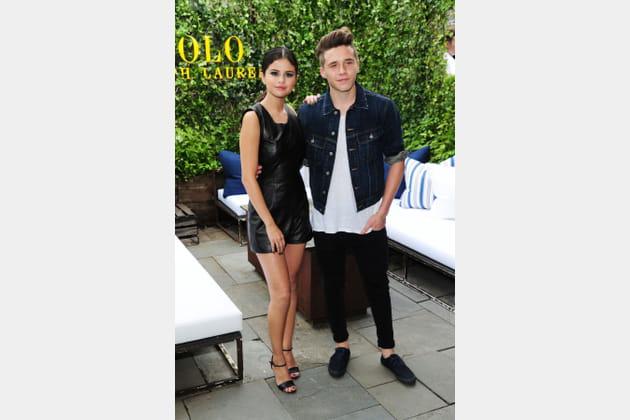 Selena gomez et brooklyn beckham la pr sentation polo for A la mode salon brooklyn