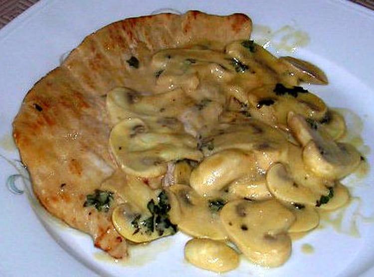 Recette escalopes de dinde la normande la recette facile - Cuisiner une cuisse de dinde ...