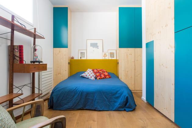 Chambre aux placards bleus