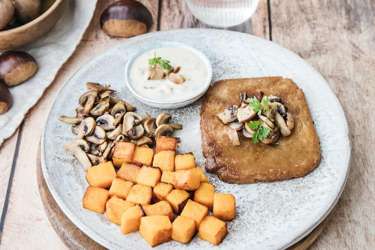 Seitan rôti, poêlée de champignons et butternut , crème d'amandes à la châtaigne