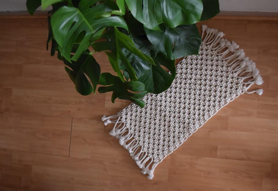 tapis en corde de coton macram 17 objets d co pour s. Black Bedroom Furniture Sets. Home Design Ideas