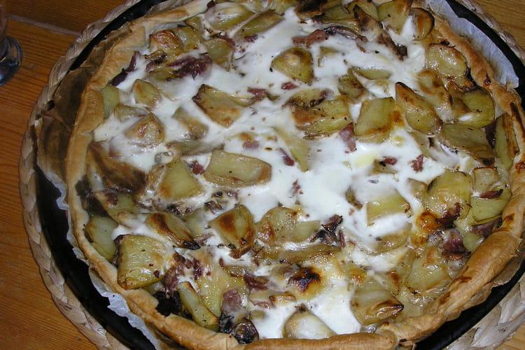 Tarte aux pommes de terre, jambon et champignons