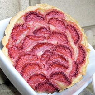 tartelette aux fraises et à la compotée de rhubarbe