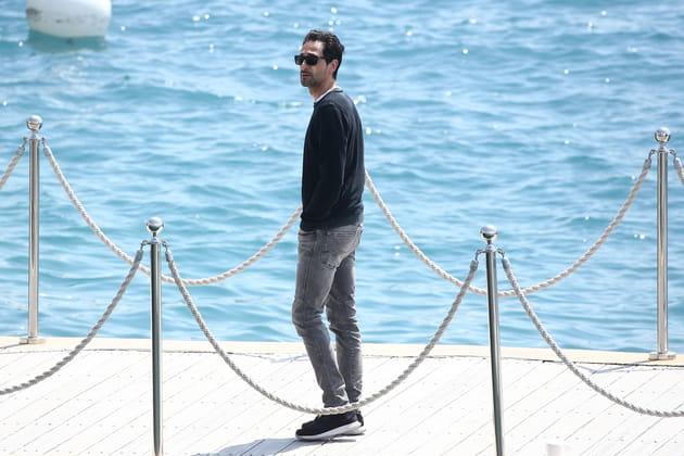 Adrien Brody, seul face à la mer