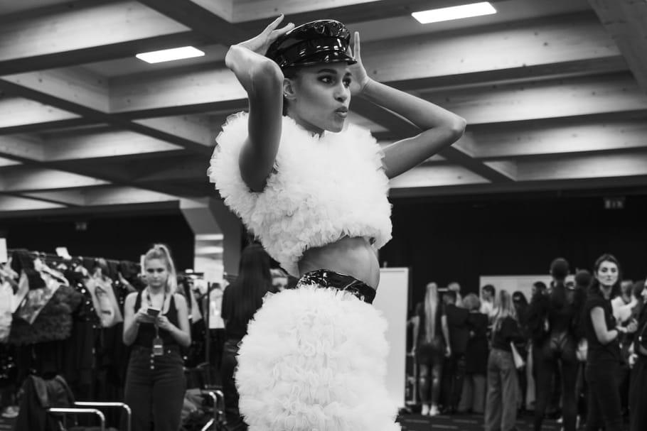 Rencontre avec le top Cindy Bruna, modèle d'enthousiasme