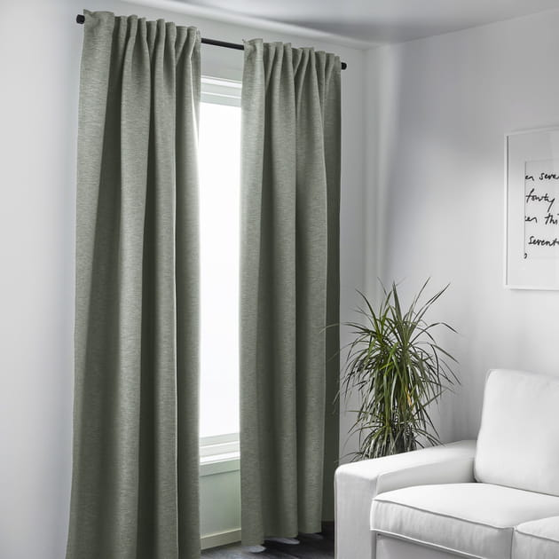 Les rideaux vert sauge