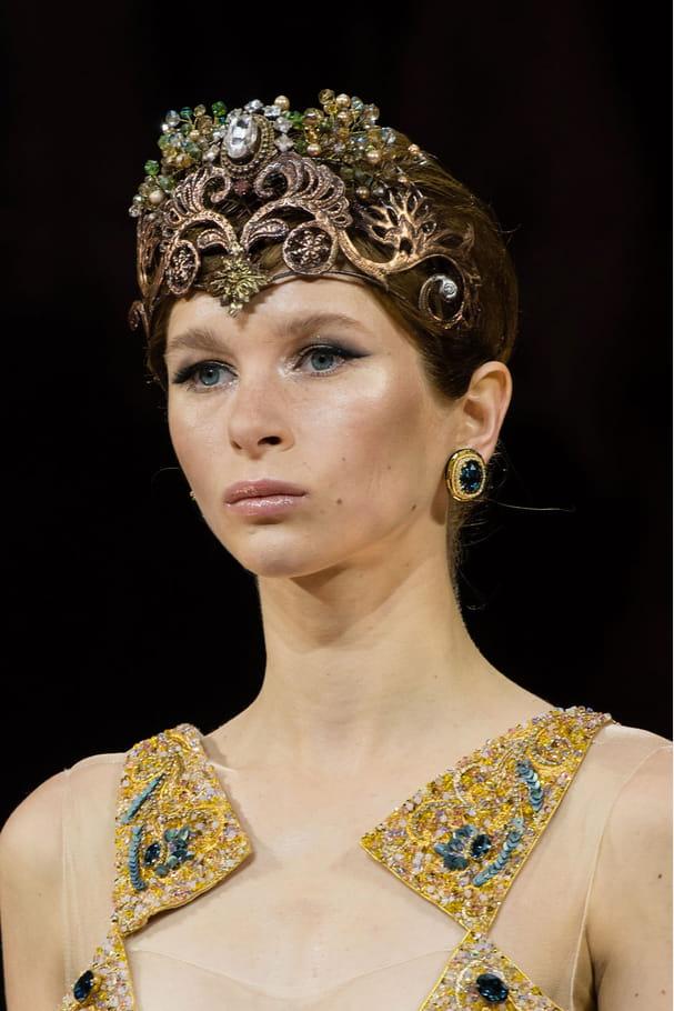 Les bijoux de tête du défilé Guo Pei