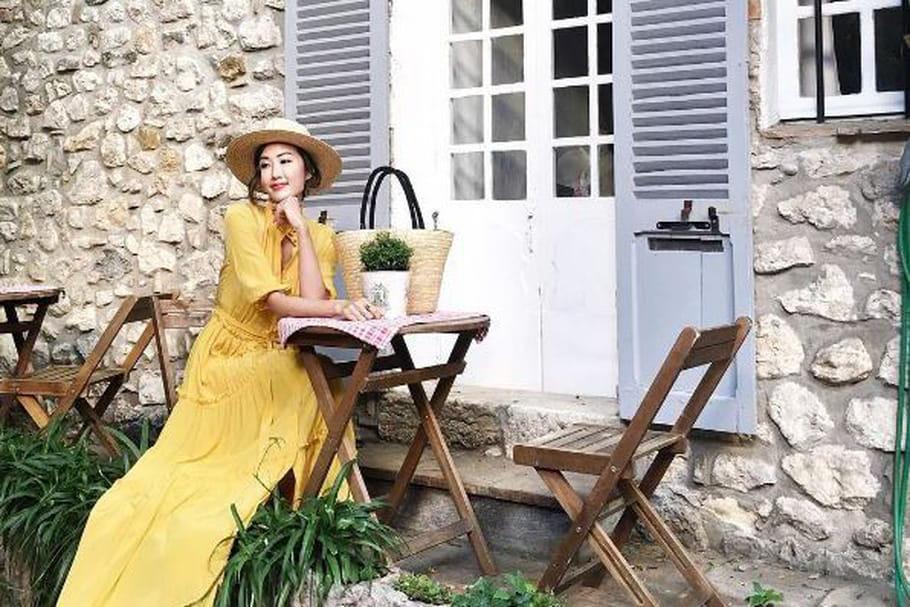 Le look blogueuse de la semaine : Chriselle Lim, printanière à Antibes