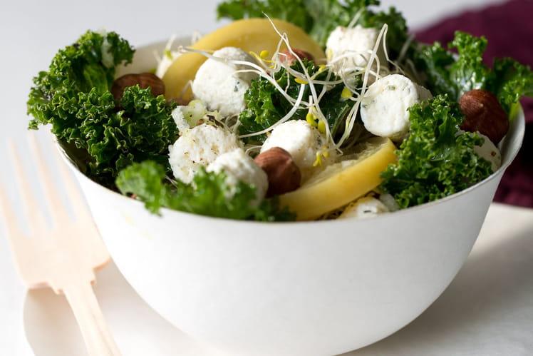 Salade de kale aux billes de fromage