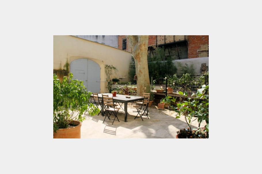 Petit jardin priv douceur exotique la maison sur la for Au petit jardin proven