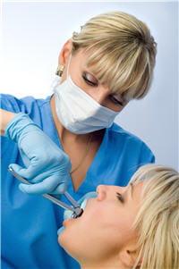 l'extraction dentaire peut se faire en anesthésie locale.