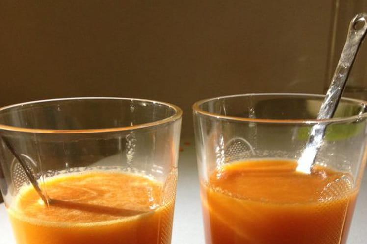 Jus vitaminé à l'orange, au kiwi et au panais
