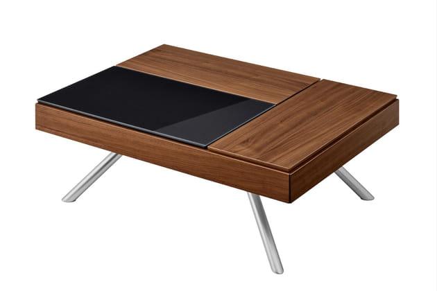 Une table basse avec rangements