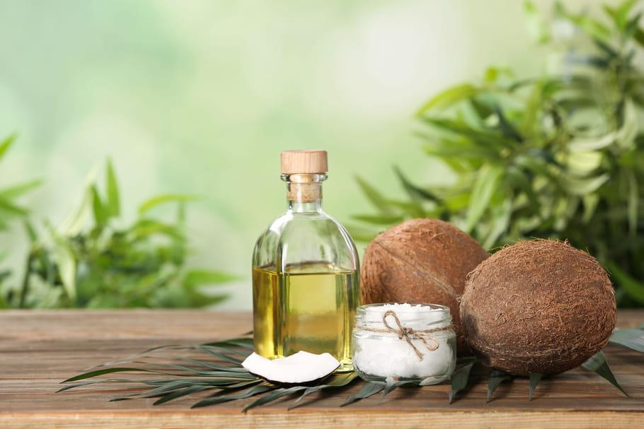 Huile de coco: bienfaits santé, peau, dents, précautions d'emploi