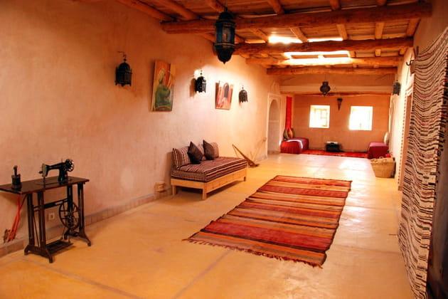 couloir chaleureux. Black Bedroom Furniture Sets. Home Design Ideas