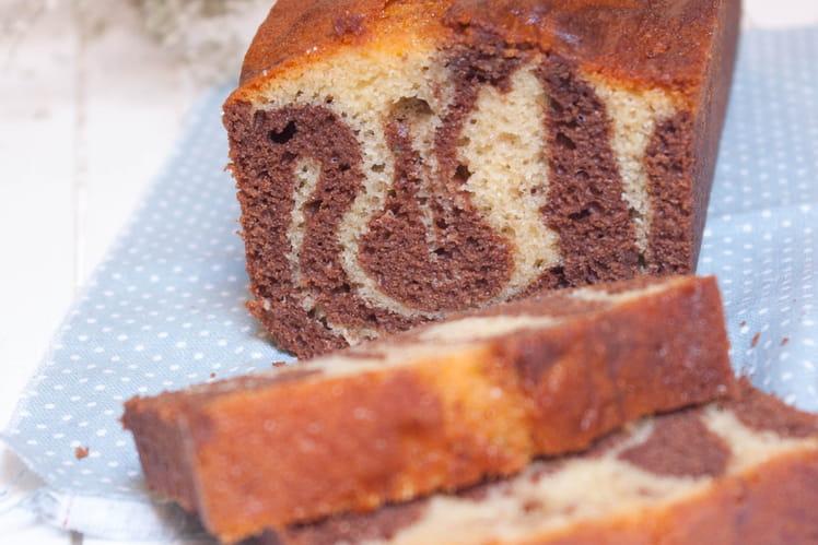 Cake marbré aux deux chocolats ultra moelleux