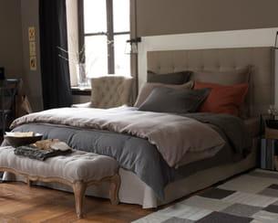 en lin. Black Bedroom Furniture Sets. Home Design Ideas