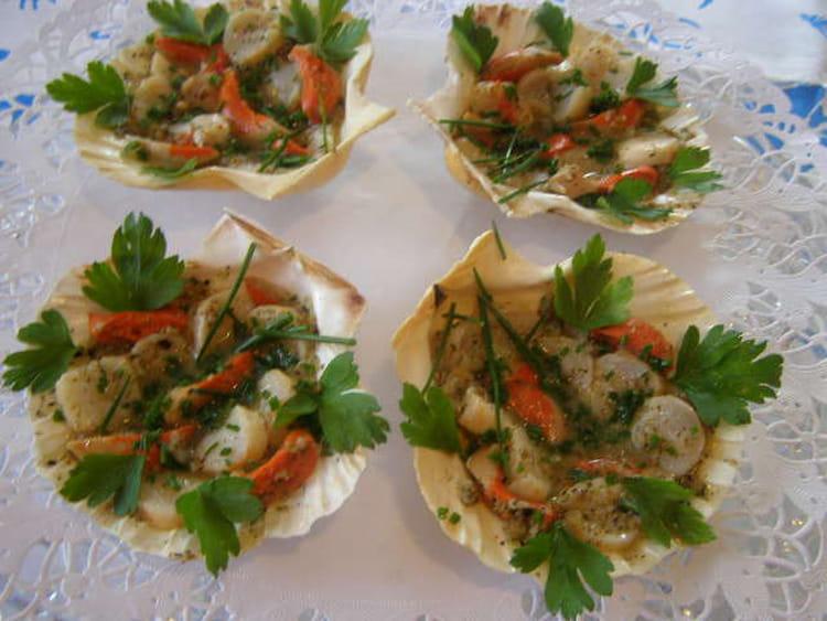 Recette de coquilles saint jacques en salade la recette facile - Cuisiner coquilles st jacques ...