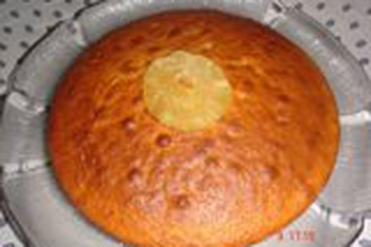 Gâteau à l'ananas séché et à la noix de coco