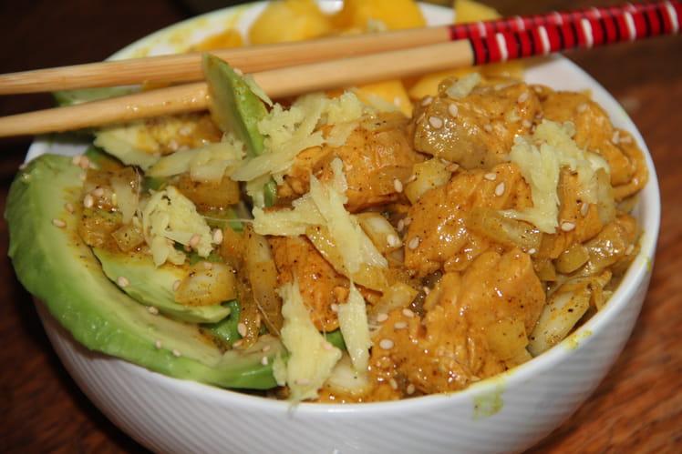 Poke bowl thaï saumon et avocat