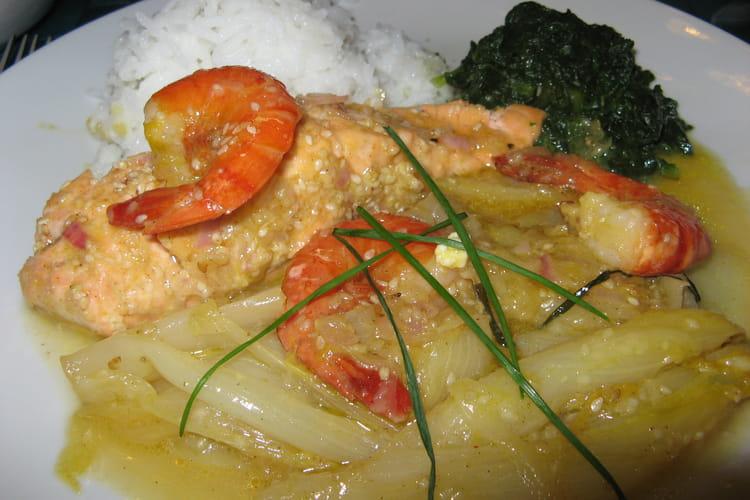 Saumon et crevettes aux endives épicées