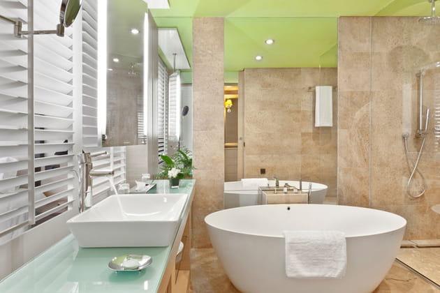 L'Hôtel du Golf : la salle de bains de la Terrace Suite