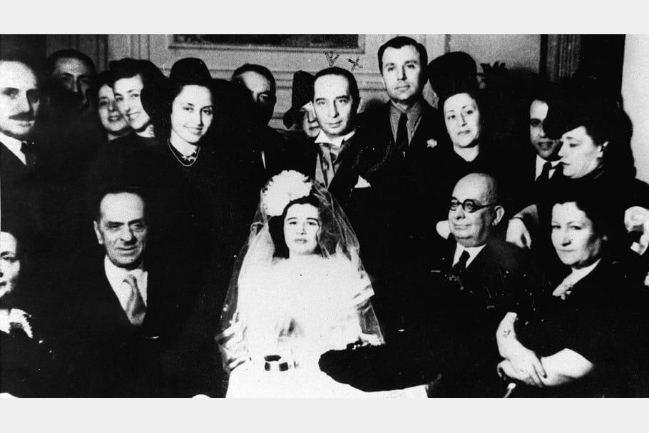 En 1937, lors de son premier mariage avec Burhan Belge
