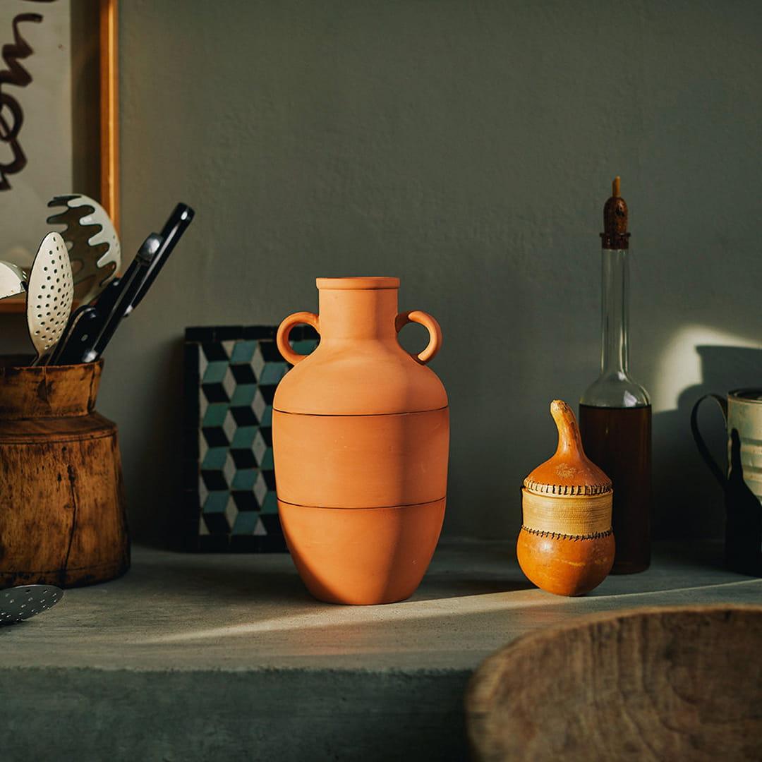 vase-terracotta-doiy