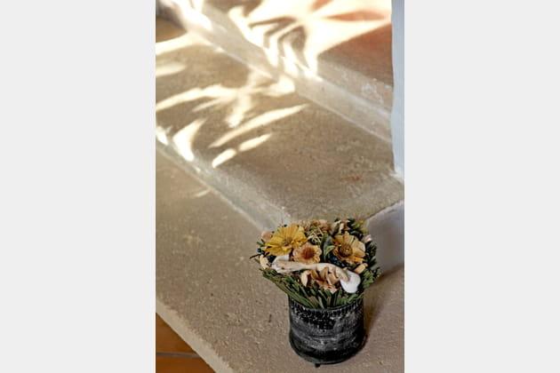 Charmant bouquet de fleurs séchées