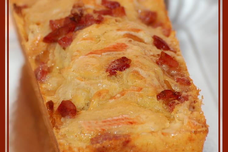 Cake au reblochon et aux lardons