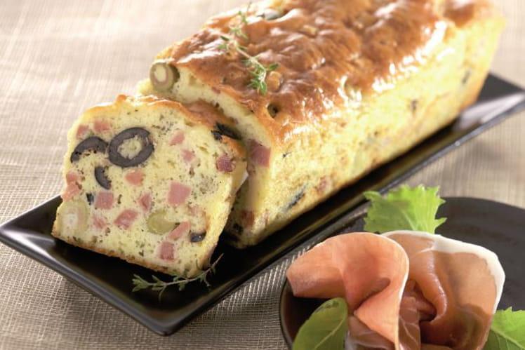 Cake au jambon de Bayonne et aux olives