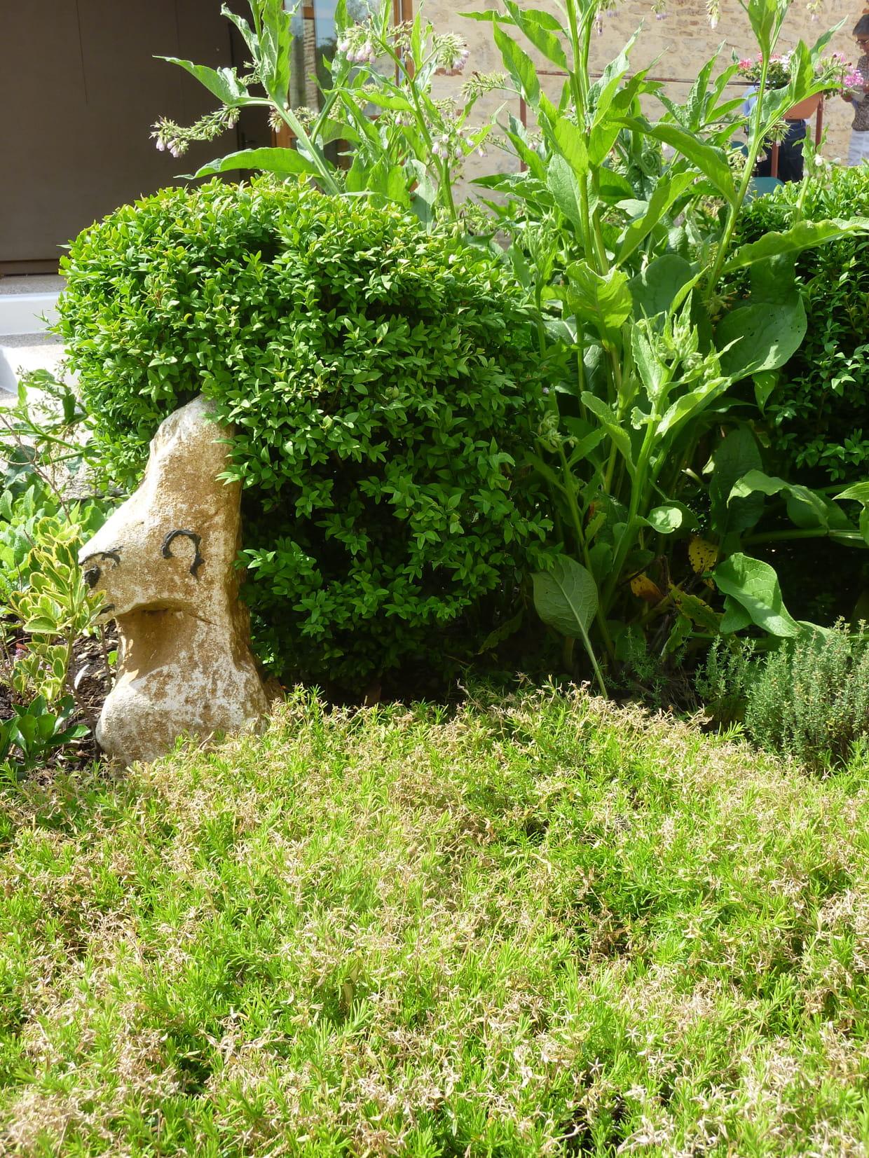 Une d coration naturelle for Decoration jardin lapin