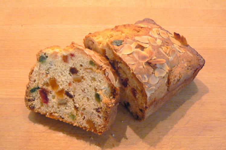 Cake anglais aux fruits confits, raisins secs et rhum