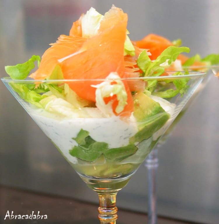 Recette de verrine fra cheur avocat saumon fum la for Petite entree simple