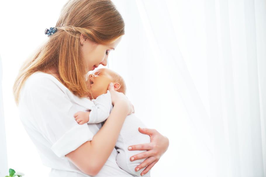 Congé maternité: durée, salaire, chômage, et les jumeaux?