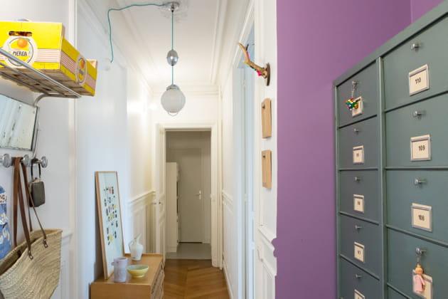 Un couloir lilas