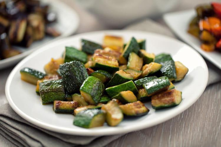 Courgettes la po le la meilleure recette - Cuisiner des carottes a la poele ...