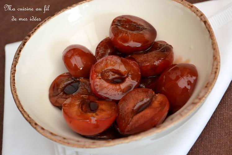 Prunes rouges confites au vinaigre balsamique