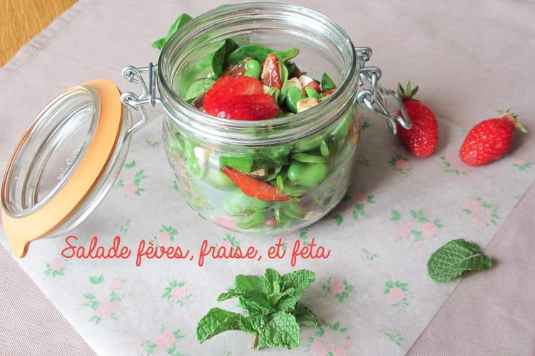 Salade fèves, fraises et feta