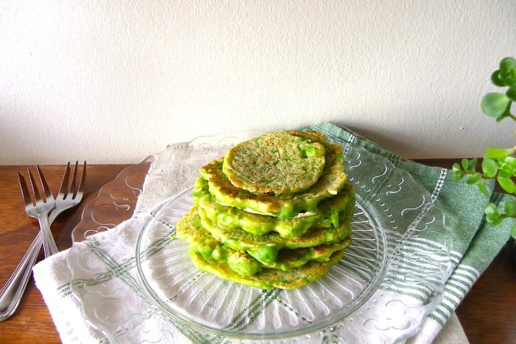 Pancakes verts aux petits pois frais et romarin