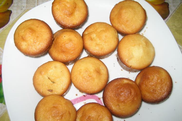 Mini-muffins yaourt-ananas