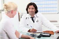 des examens sont régulièrement proposés dès la ménopause.