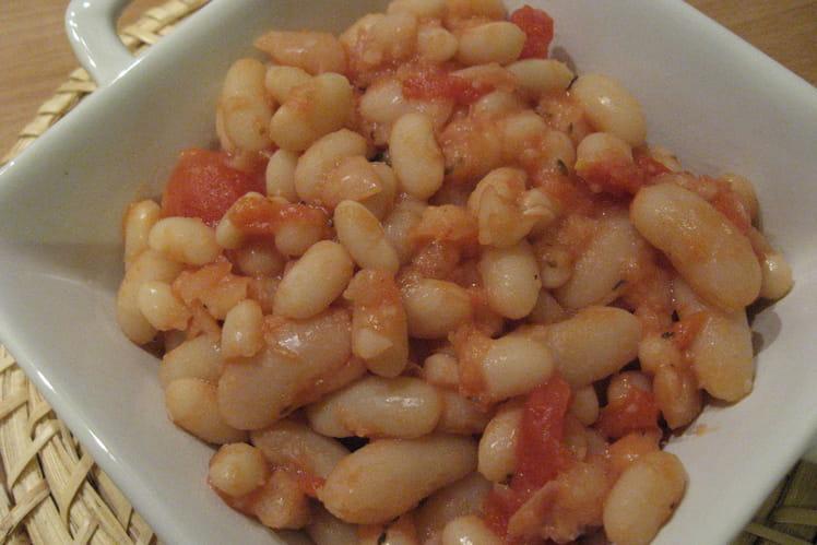 Haricots blancs à la sauce tomate