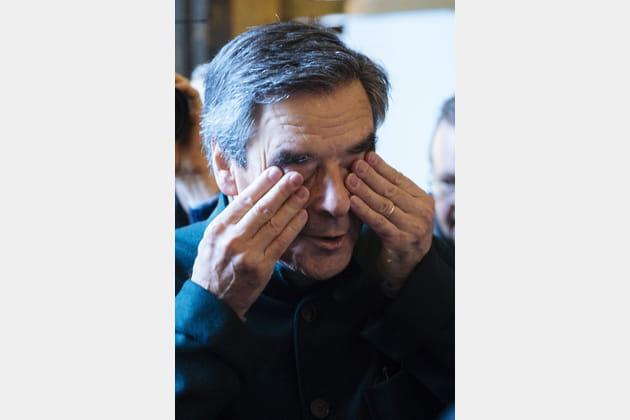 François Fillon n'en croit pas ses yeux...