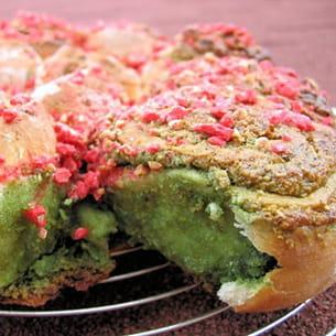 gâteau en rose et vert (pistache et praline)