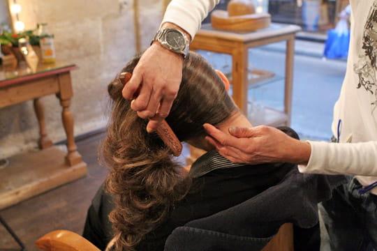 Coiffer les cheveux