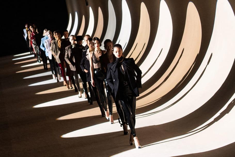 Fashion week: les défilés de retour à Paris cet été 2021